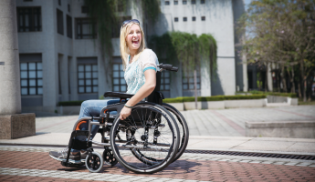 The Pros and Cons of a Lightweight Wheelchair