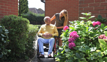 The Benefits of Using a Lightweight Wheelchair